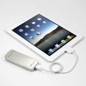 Powertraveller Powermonkey Discovery charging iPad