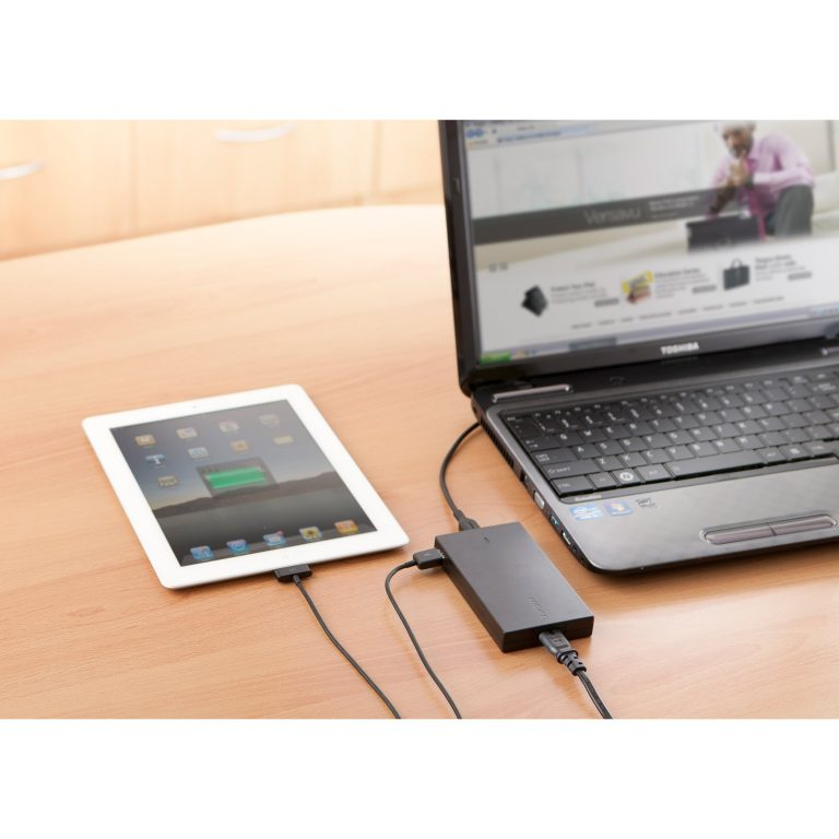 targus 90W Slim & Light Laptop Charger + Phone/Tablet USB Charge