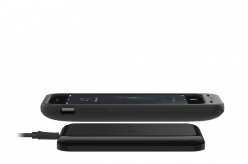 Mophie Juice Pack Wireless and Charging Base iPhone 6S Plus_charging