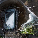 Lifeproof dropproof waterproof cases